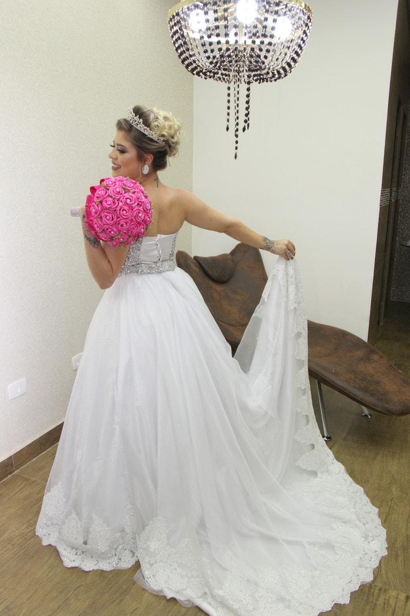 Vestidos de noiva para venda e locação (10)-min